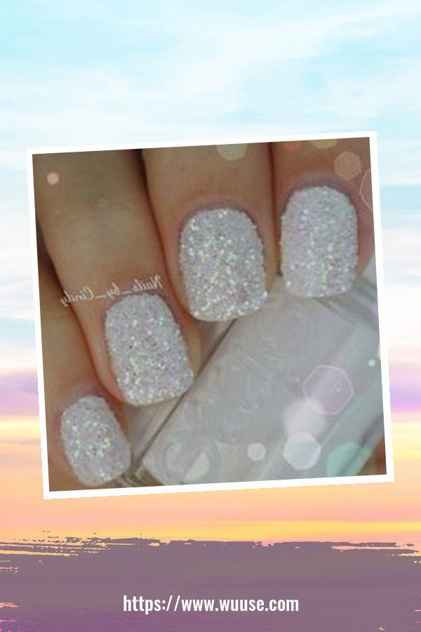 43 Beautiful Party Nails Ideas For Christmas And New Year 3